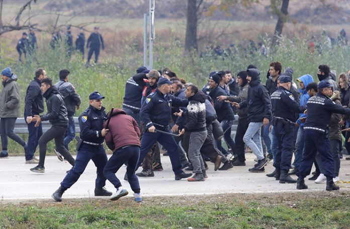 Image result for policija migranti bosna
