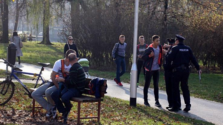 Foto: Policija dežura pored igrališta