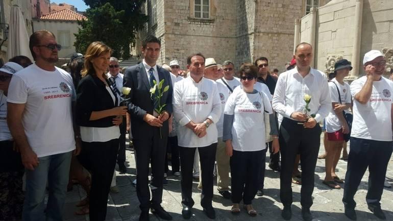 Slikovni rezultat za U Splitu obilježena 24. godišnjica genocida u Srebrenici