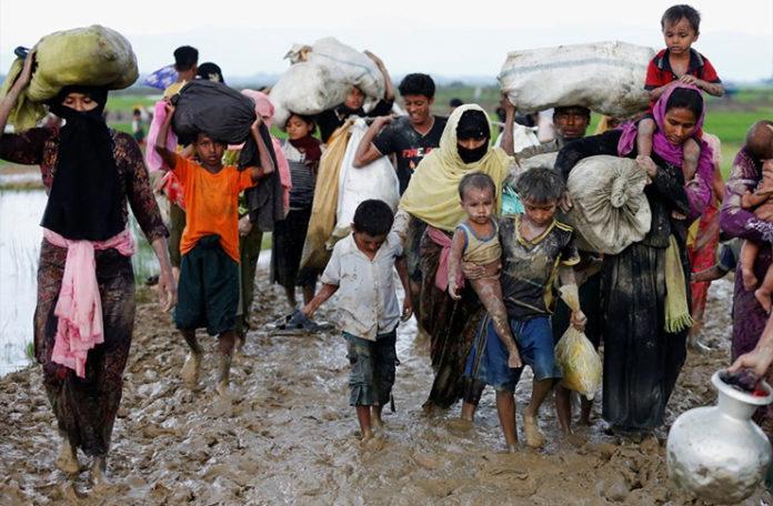 Image result for Iz Mijanmara u Bangladeš izbjeglo 370 hiljada Rohingya