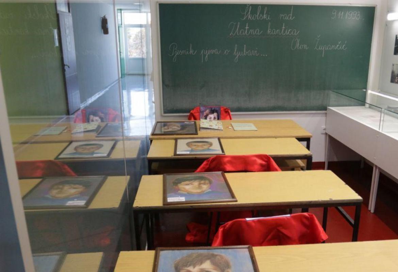 Dan kada je s kredom u ruci ubijena učiteljica Fatima Gunić i troje njenih  učenika